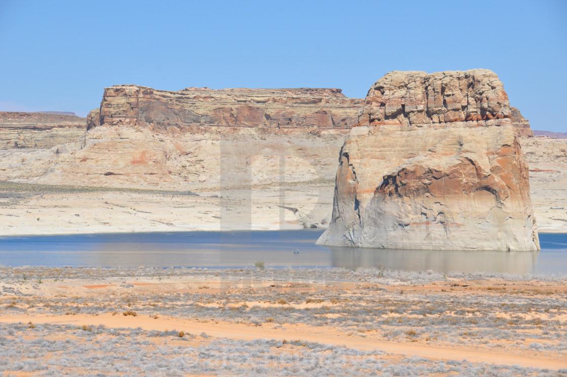 lake powell between arizona and utah