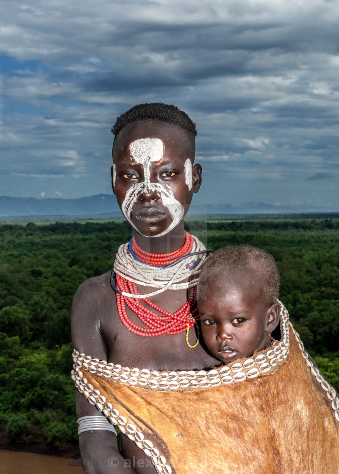 Karo tribe in omo valley ethiopia