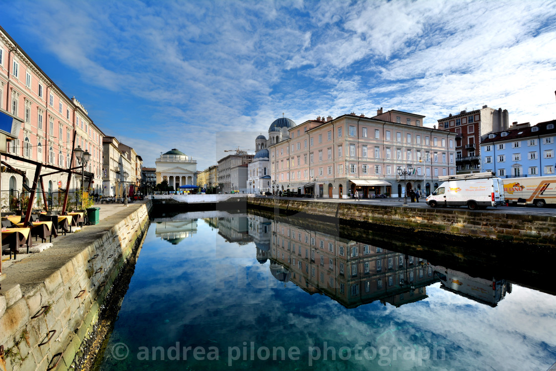 """Trieste, riflessi sul canale"" stock image"