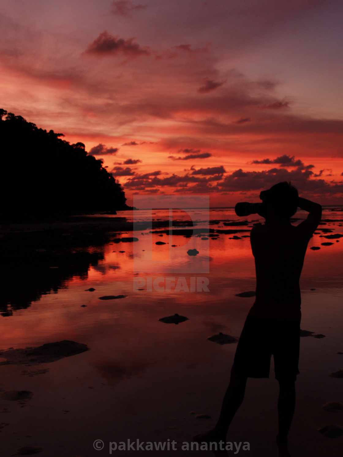 """photographer shooting seascape with twilight sky"" stock image"