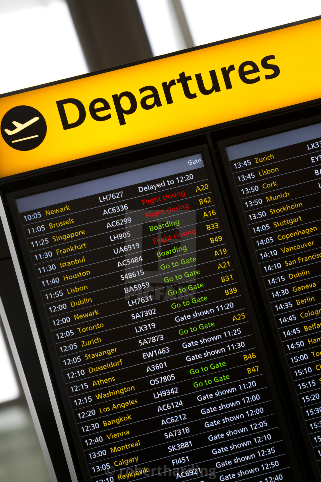 Departures Sign in London Heathrow Airport - License for £ ...