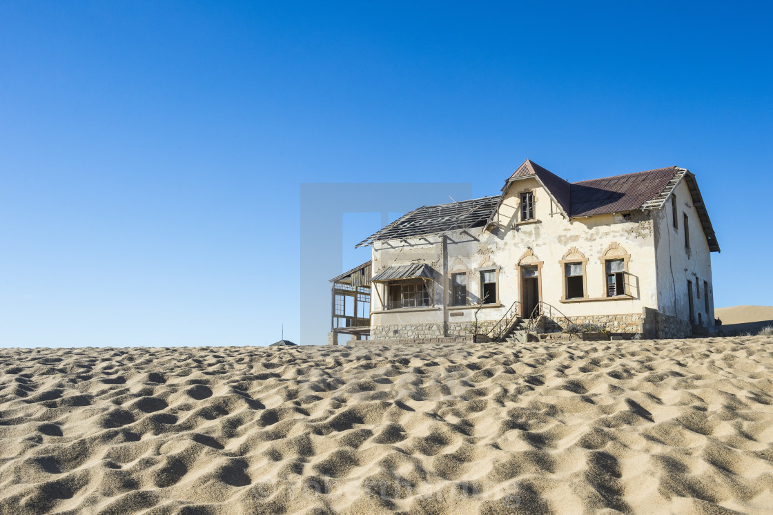 """Colonial house, Old gold mine, Kolmanskop or coleman´s hill, near Luederitz,..."" stock image"