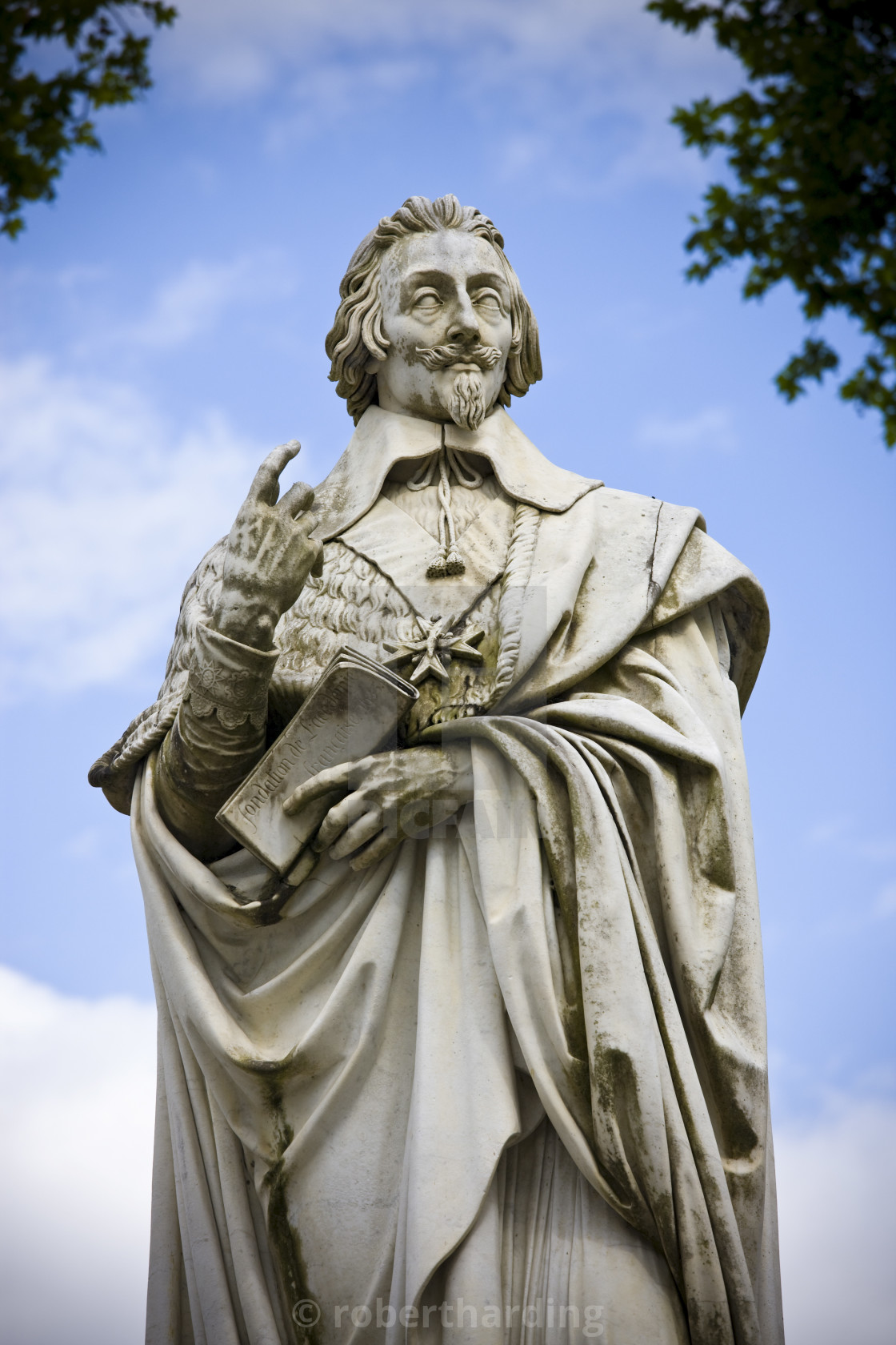 """""""Stone statue monument of Cardinal Richelieu, former Prime Minister, in the..."""" stock image"""