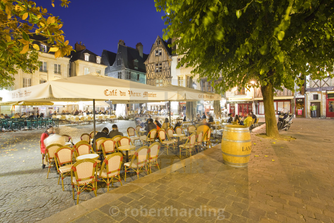 """People enjoying the various restaurants and bars in Place Plumereau in Vieux..."" stock image"