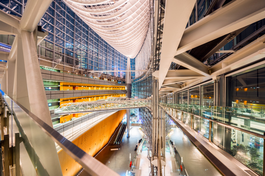 """""""The modern hall of the Tokyo International Forum taken at night with his artificial lighting"""" stock image"""