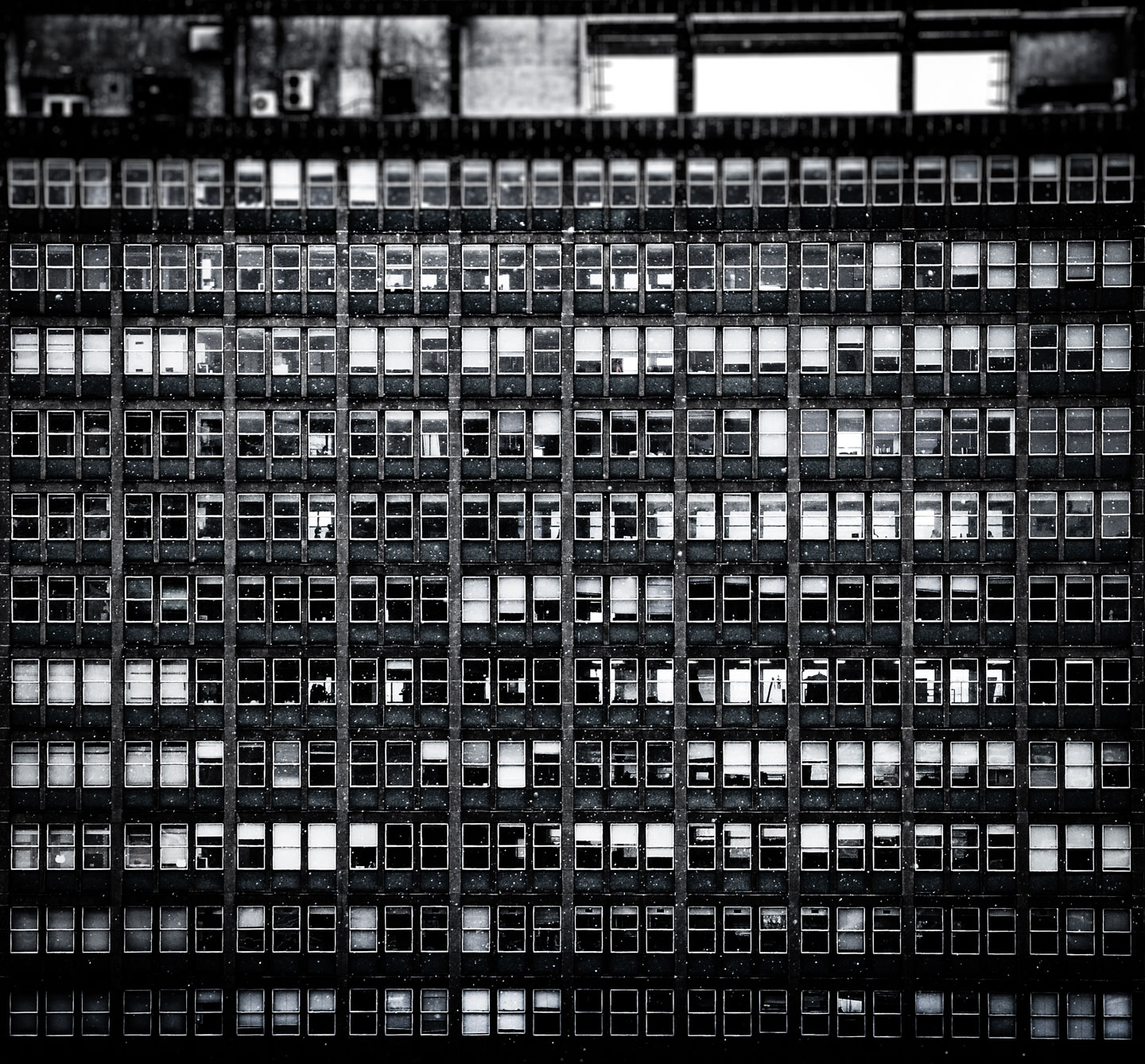 330 Windows