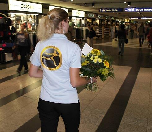 Blumenbote im Shopvile Zürich