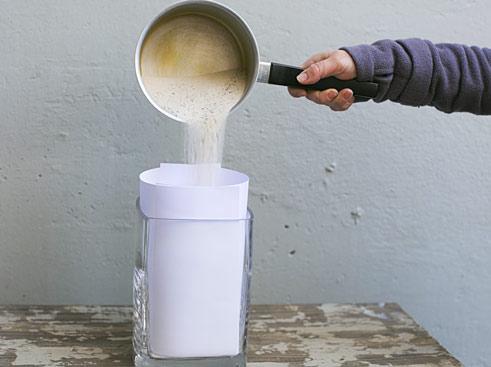 Oster-Deko Sand einfüllen in Vase