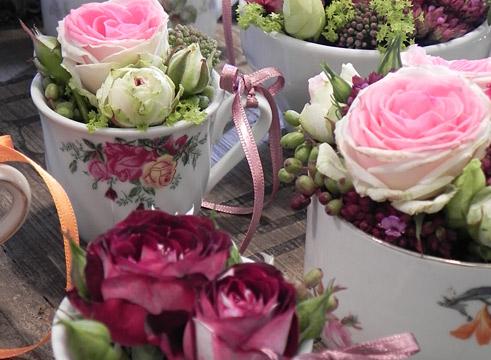 """Résultat de recherche d'images pour """"rose romantique sur porcelaine"""""""