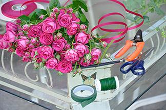 Serviettenringe aus Rosenknospen