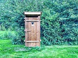 WC im Garten