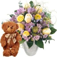 Zarter Frühlingsgruss mit Teddybär (braun)