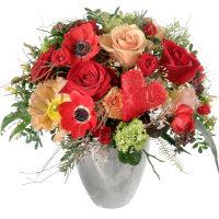 Valentinsstrauss Mit Roten Rosen