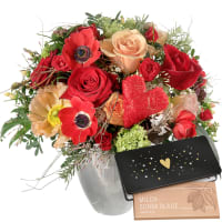 Bouquet de la Saint-Valentin avec roses rouges et tablette de chocolat «Heart»