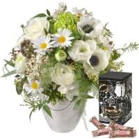 Romantischer Frühlingsstrauss mit Minor Split in trendiger Geschenkbox