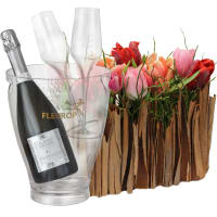 Stylish Miniature Tulip Garden with Prosecco Albino Armani DOC (75 cl), incl. ice bucket and two sparkling wine flutes