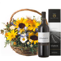 Sunflower Basket with Red Wine Gudarrà - Aglianico del Vulture (75cl)