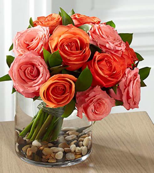 E8-5235 The FTD® Blazing Beauty™ Rose Bouquet
