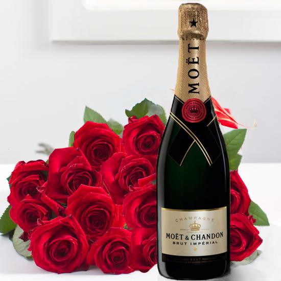 Beeindruckender Strauss von 15 Stück Rosen mit einer Flasche Moët&Chandon Champagner (75 cl)