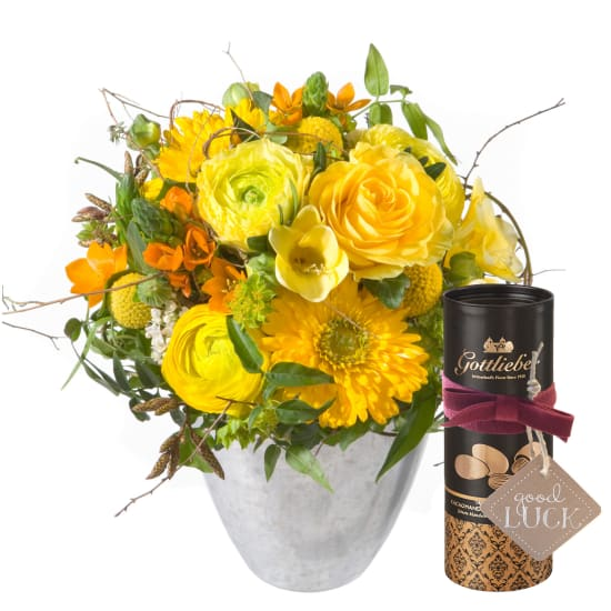 Little Sunshine with Gottlieber cocoa almonds and hanging gift tag «Good Luck»