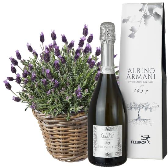 Ein Korb voll Lavendel mit Prosecco Albino Armani DOC (75cl)