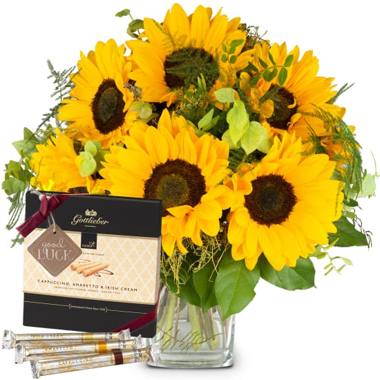 Sunflowers Pure with Gottlieber Hüppen and hanging gift tag «Good Luck»