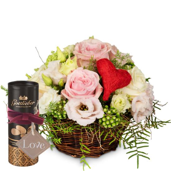 Ein Korb voll Liebe mit Gottlieber Cacaomandeln und «Love» Anhänger
