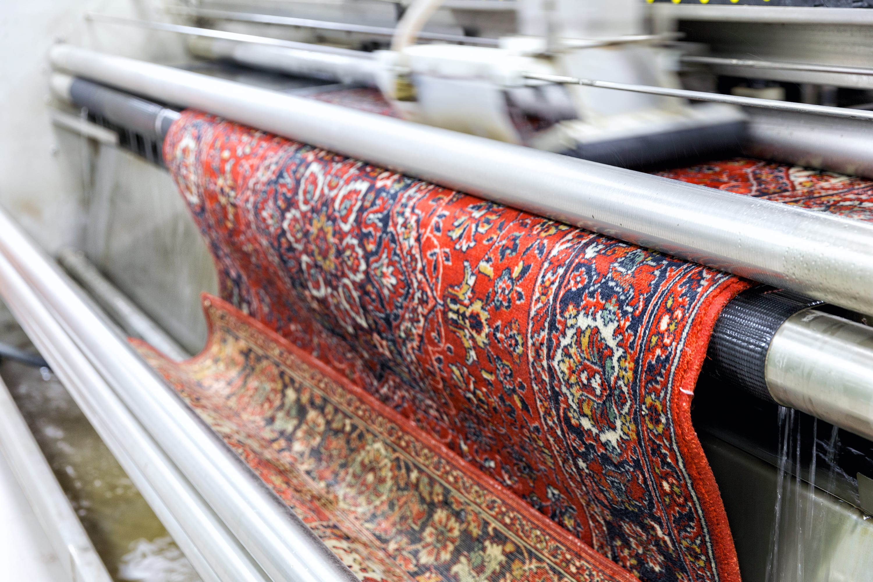 Automatic-washing-and-cleaning-of-carpets.-Industrial-line-for-washing-carpets-1132815771_3000x2000