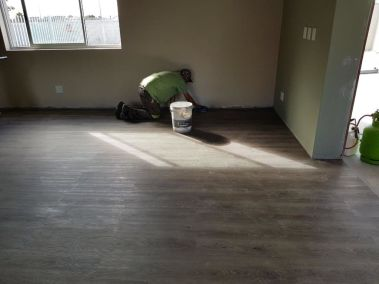 vinyl-implementation-flooring
