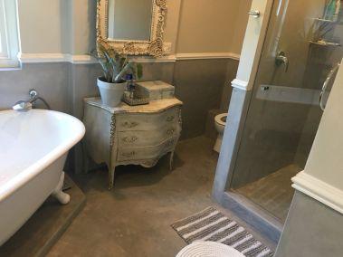 colour-cement-flooring-bathroom