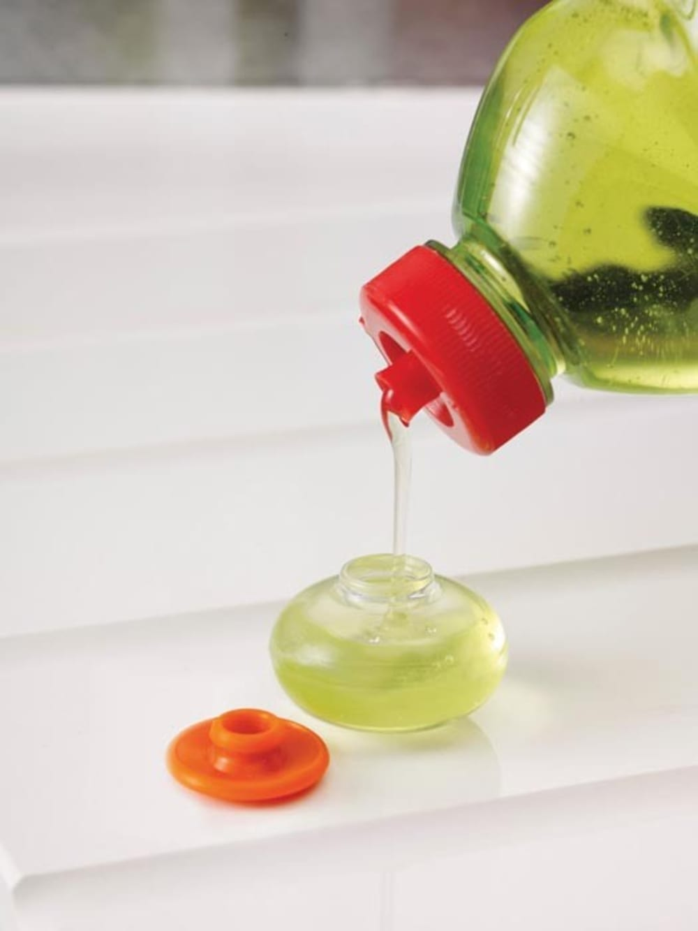 Zestaw 3 gąbek do zmywania z pojemnikiem na płyn