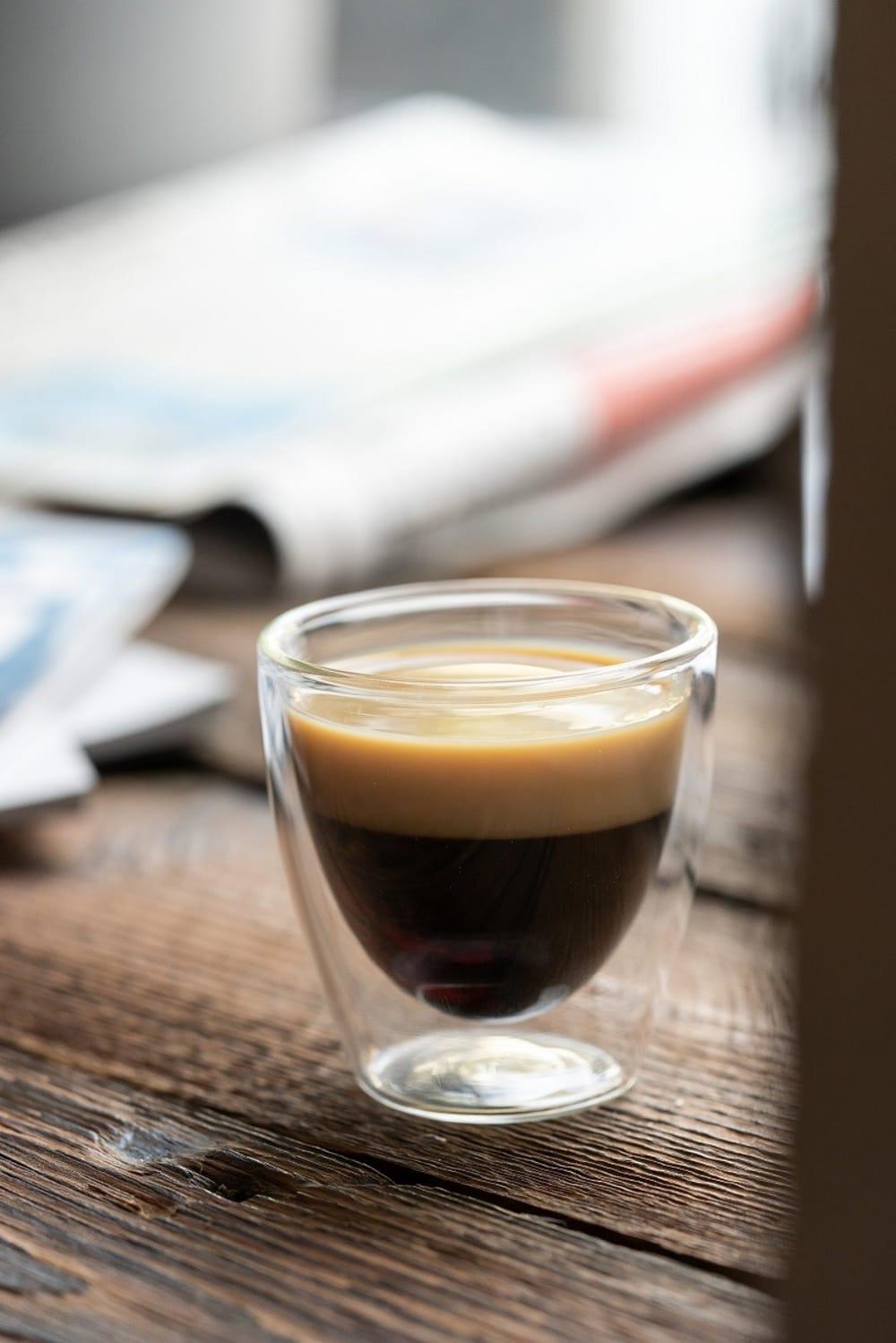 VIALLI DESIGN - Zestaw 2 szklanek do espresso z podwójną ścianką, 80 ml AMO