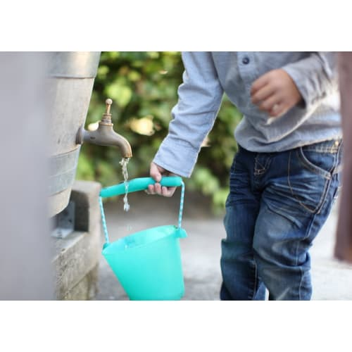 Składane wiaderko do wody i piasku Scrunch Bucket - Rust