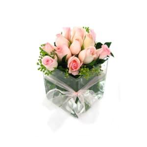 Rose vase pink tx3f6u