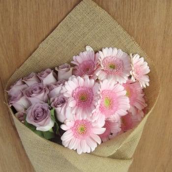 Mini Gerbera & Roses