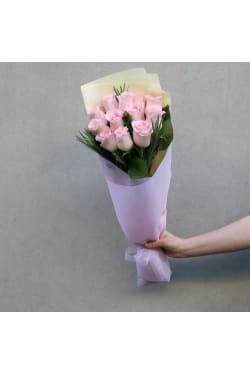 Soft Pink Rose Bunch - Deluxe