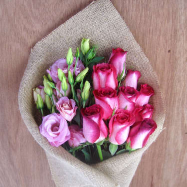 Rose & Lisianthus Subscription - Standard