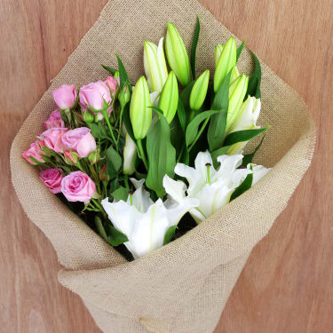 Lily & Spray Rose Subscription - Standard