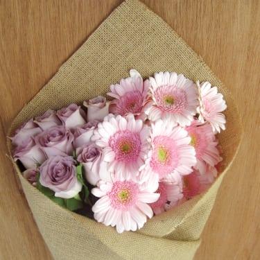 Mini Gerbera & Roses - Standard