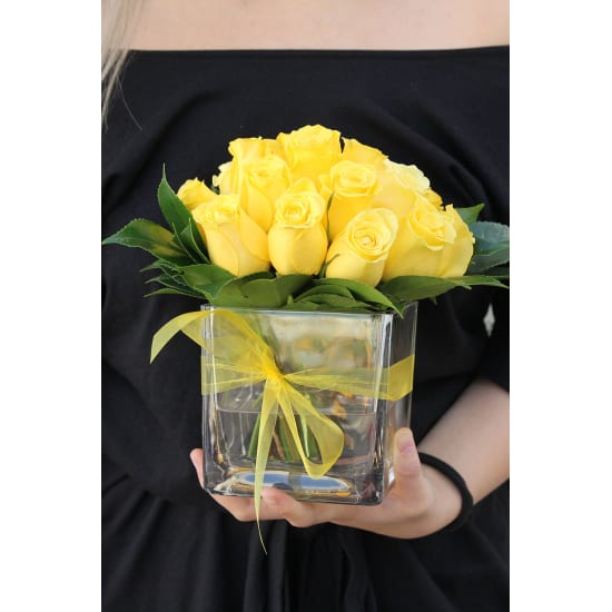 Yellow Rose Vase - Standard