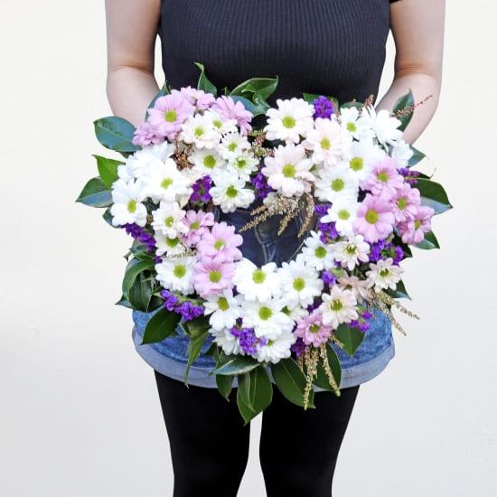 Sweetheart Wreath - Standard