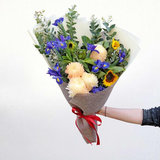 Bold Blooms Bouquet - Standard