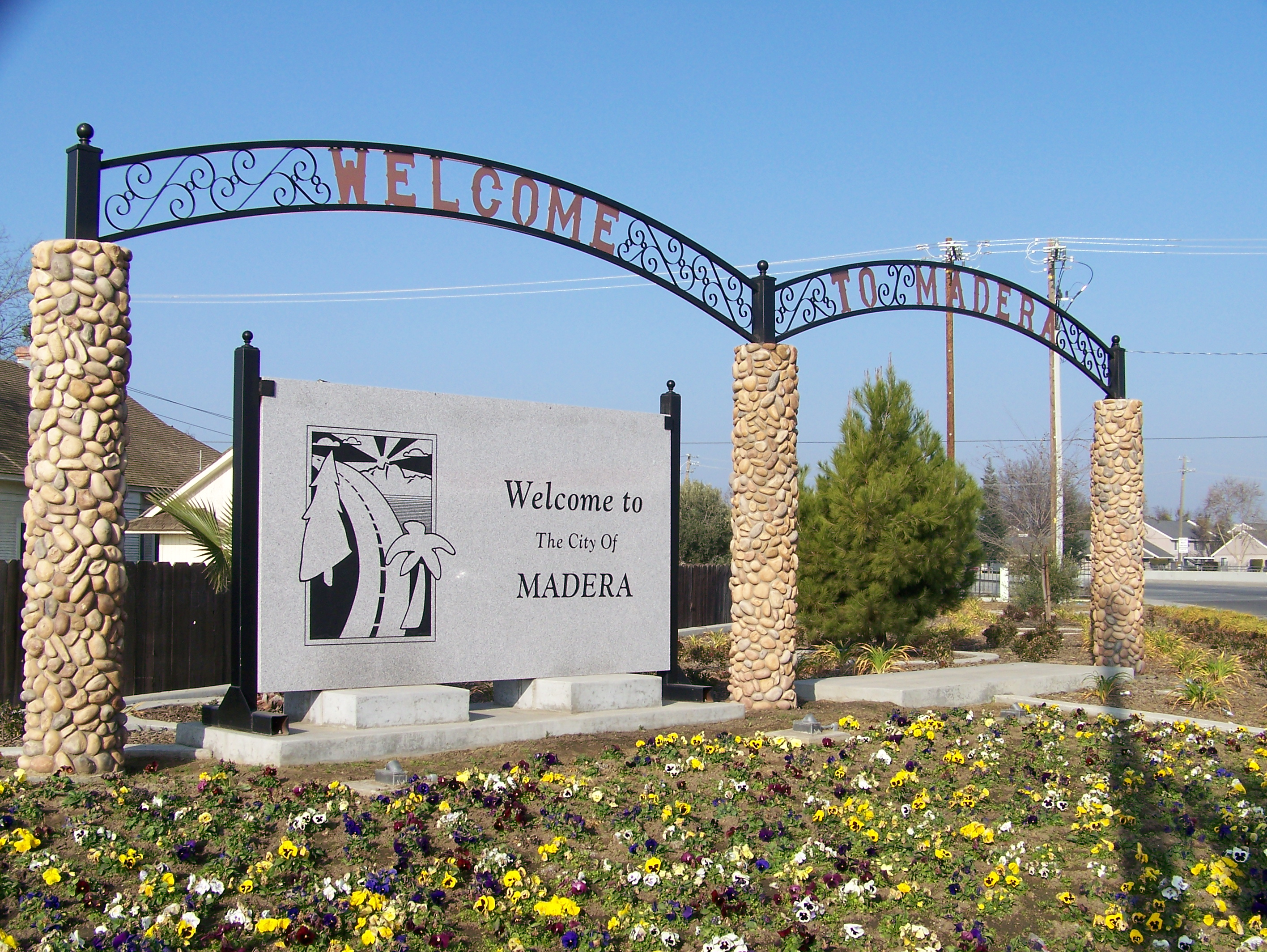 Hero photograph of Madera Municipal Airport MAE in Madera CA