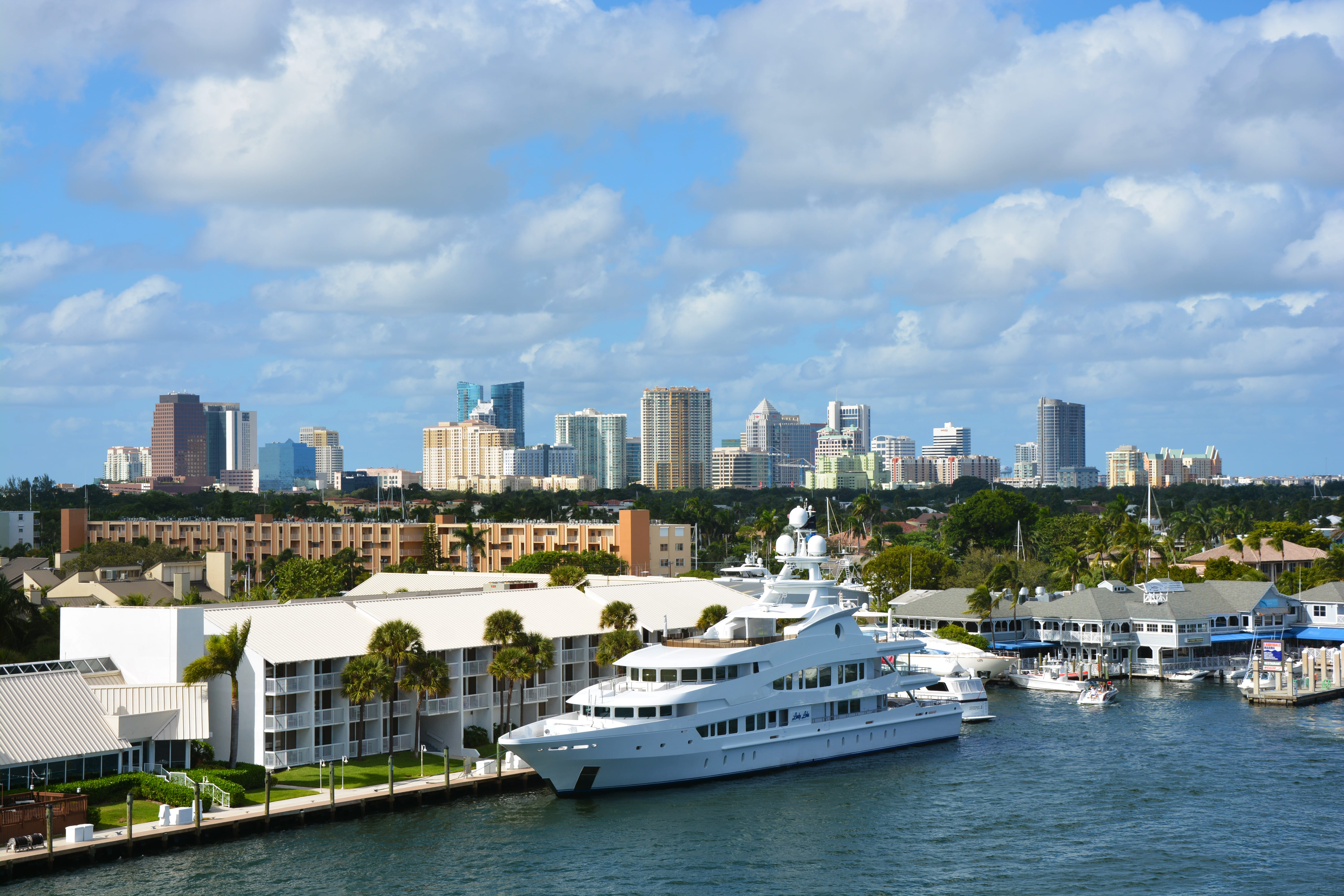 Hero photograph of Fort Lauderdale Executive FXE in Fort Lauderdale FL