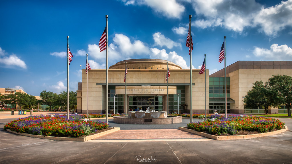 Hero photograph of Easterwood Airport CLL in College Station TX