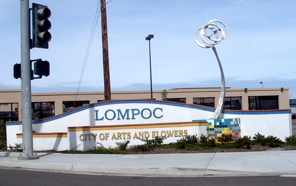 Hero photograph of Lompoc Airport LPC in Lompoc CA