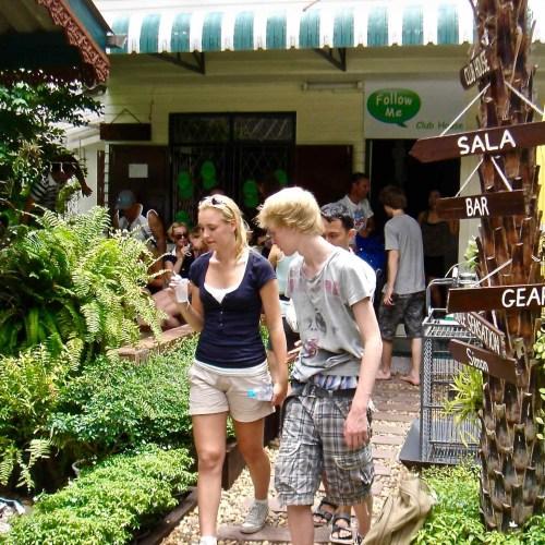 Long-Tail-Boat-Siam-Chiva-Follow-Me-Bangkok-tours
