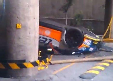 Let's Prevent! - Vídeo: Desprendimiento de… un coche de carreras