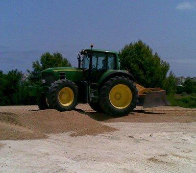 Let's Prevent! - Accidentes: Fallece un trabajador de 38 años al caerle encima el remolque de un tractor en León