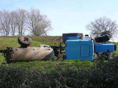 ejemplo vuelco de tractor